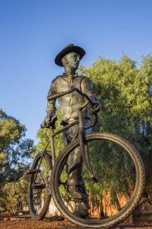 Dr Laver statue, Laver Place