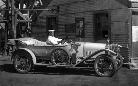 Sons-of-Gwalia-1913-Sunbeam-12-16hp-Sporting-Model-Company-Postcard-Brade-driv_